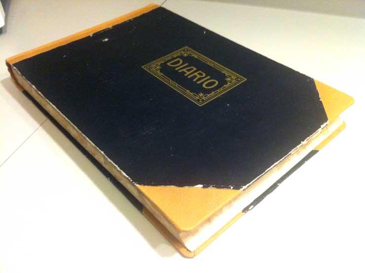 diario de contabilidad y cuaderno de dibujo